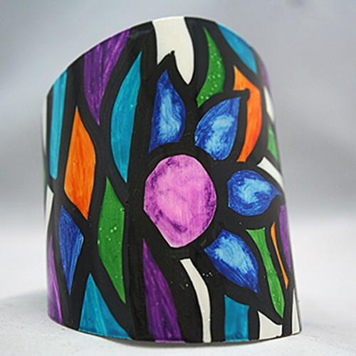 Pulsera con motivo vitral flores